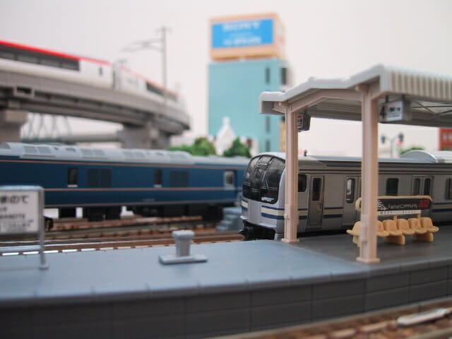 鉄道模型E217系とホーム2