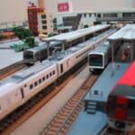 鉄道模型の駅・島式ホーム(Nゲージ)