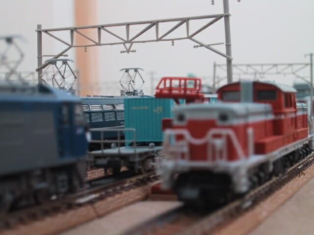 鉄道模型DD51と貨物列車