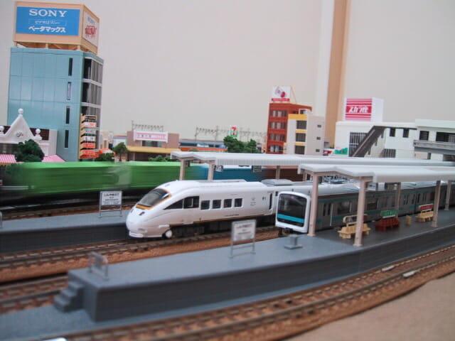 鉄道模型敷き布レイアウト横側から