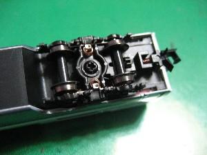 ボディマウント伸縮式密自連形TNカプラーの取り付け