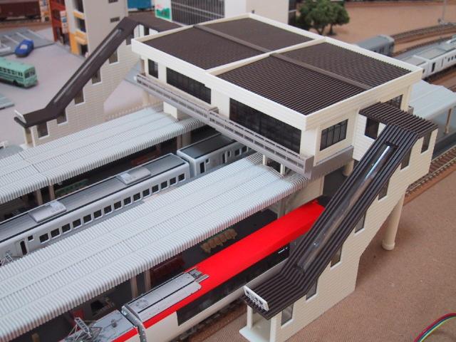 橋上駅舎(近代型)