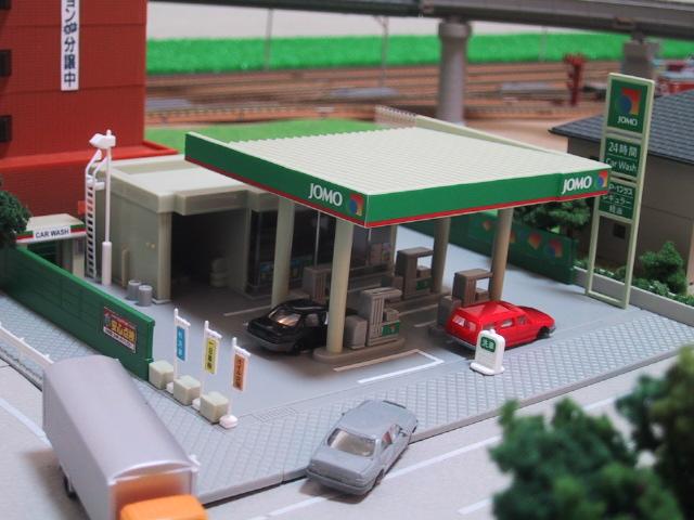 ガソリンスタンド(JOMO)